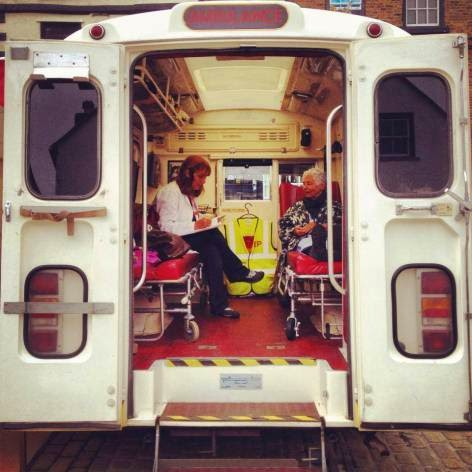 ambulanza dell'emergency poet