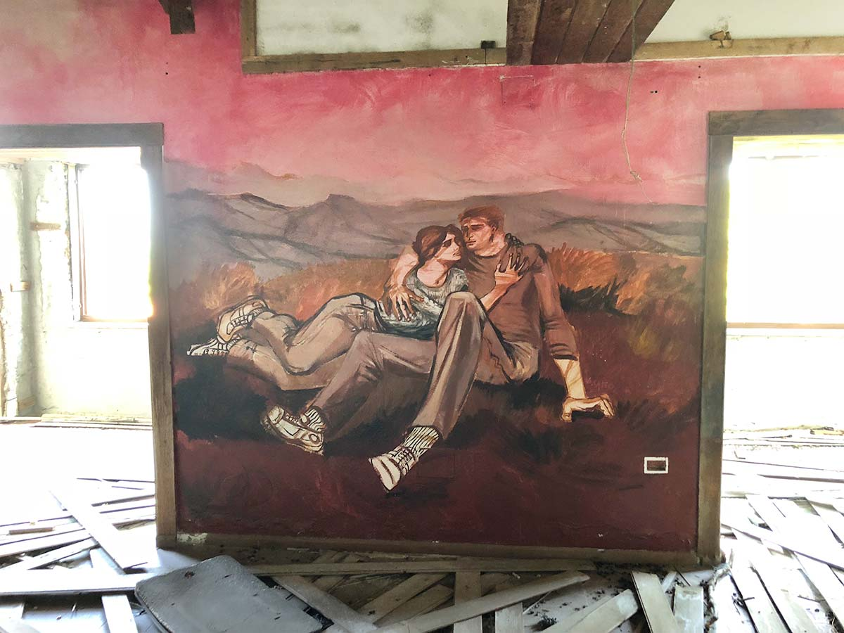 Fonni. Opere di Liliana Cano risparmiate dai vandali a Monte Spada
