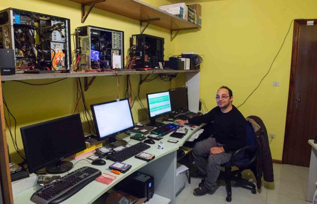 Claudio Asoni, Tonara, genio del recupero memorie perdute da hard disk